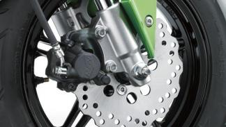 Kawasaki-Z125-Pro-2016-discos delanteros