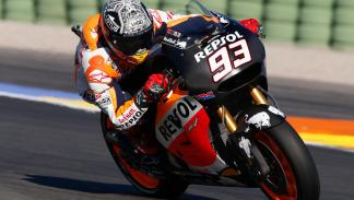 MotoGP-Test-Michelin-Cheste-2015-Marquez