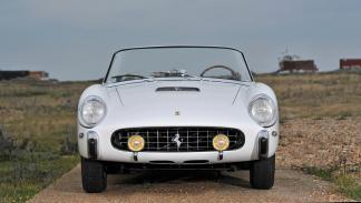 Ferrari 250 GT Cabriolet Blanco frontal