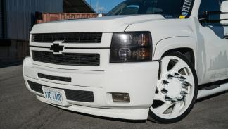 Chevrolet Silverado Forgiato 26 frontal