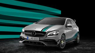 MERCEDES AMG PETRONAS 2015 World Champion Edition tres cuartos delanteros