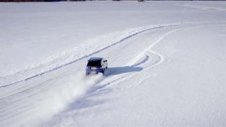 réplica de Silverstone sobre un lago helado 3