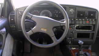 Opel-lotus-omega-interior
