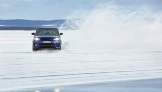 Range Rover Sport SVR sobre hielo 4