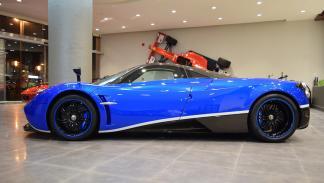 Pagani Huayra venta primero azul