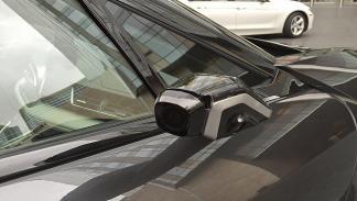 BMW i8 Mirrorles cámara