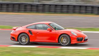 Porsche 911 Turbo S 2016 barrido