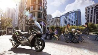 Kawasaki J125: 3.799 euros y ganas de comerse el mercado