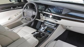 Genesis G90 interior cockpit