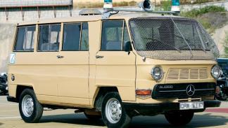 23F: Mercedes N1300