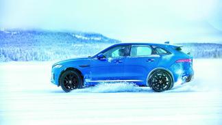 Mourinho Jaguar F-Pace hielo 3