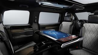 Peugeot Traveller i-Lab 3