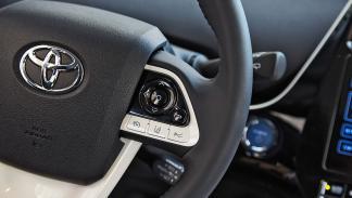 Toyota Prius 2016 volante