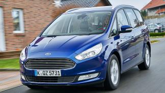 18 Volkswagen Sharan vs Ford Galaxy