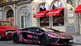 Lamborghini YouPorn tres cuartos delanteros