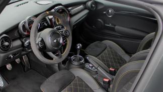 interior Mini F300 Manhart