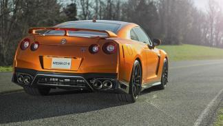 Nissan GT-R 2017 zaga
