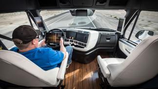 Freightliner Inspiration camión autonomo interior