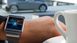 smartwatch controla el coche autónomo de BMW