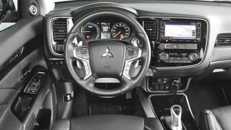 SUV híbridos: Mitsubishi Outlander PHEV interior