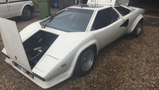 Lamborghini Countach anfibio frontal