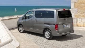 mejores-coches-llevar-perro-Nissan-Evalia-zaga