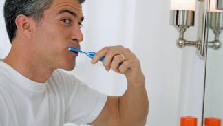 Cómo blanquear los dientes en casa trucos