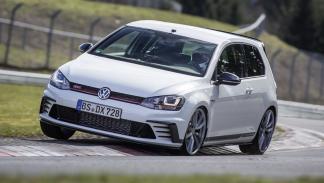 Volkswagen Golf GTI Clubsport S curva