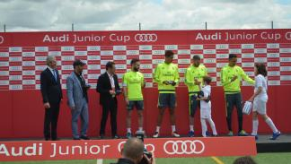 benzema real madrid audi junior cup jugadores trofeos
