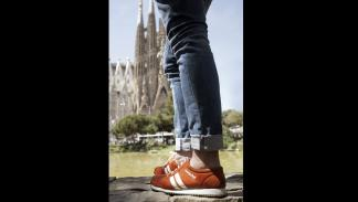 zapatillas inteligentes easy jet guian ciudad turistas