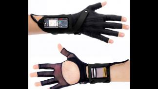 mi.mu gloves guantes interactivos mazda aire