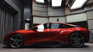 BMW i8 Lava Red lateral
