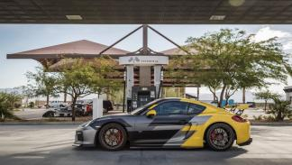 Porsche Cayman V-CS Aero kit por Vorsteiner repostaje