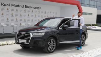 Audi entrega gama a plantilla de Baloncesto del Real Madrid Felipe Reyes