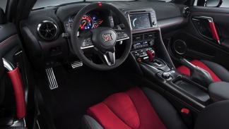 Nissan GT-R Nismo 2017 volante