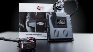 Porsche 911 Turbo S y Carrera S preparados por TechArt centralita