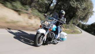 Prueba-Harley-Davison-Road-King-2016-delantera-dinámica