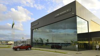 Jaguar Land Rover fábrica Brasil