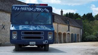 Furgón SWAT Banksy