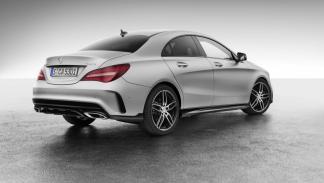 Mercedes CLA con accesorios AMG trasera