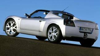 Opel Speedster zaga