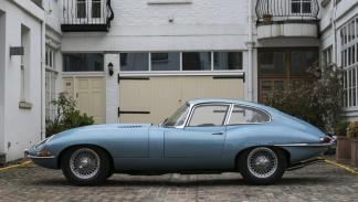 Jaguar E-Type FHC lateral