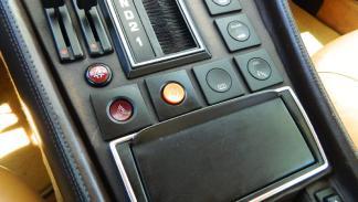 Ferrari 400i botones