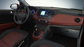 Hyundai i10 2017 interior