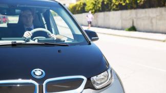 Cabify Electric y BMW i3 frontal