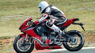 Honda-CBR-1000-RR-2017-2