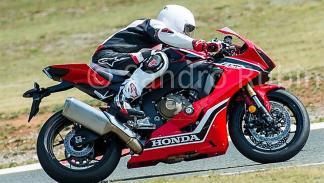 Honda-CBR-1000-RR-2017-3