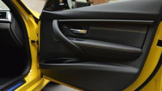 BMW M3 amarillo costuras