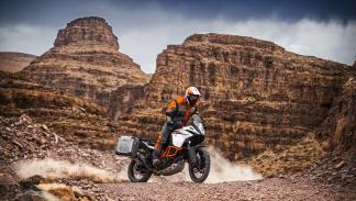 KTM-1090-Adventure-2017-1