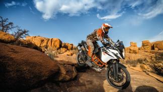KTM-1090-Adventure-2017-3